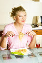 Free Pretty Woman Eating Spaghetti Royalty Free Stock Images - 8980489