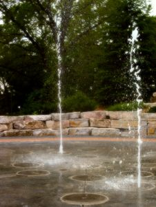 Free Water From The Ground Royalty Free Stock Photography - 9837