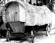 Free Old Tilt Gipsy Cart Royalty Free Stock Photo - 15165