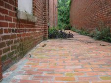 Free The Alleyway Royalty Free Stock Images - 16149
