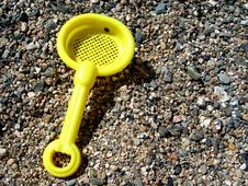 Free Yellow Sand Shovel Royalty Free Stock Photo - 18335