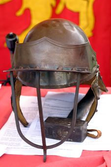 Free Cavalier Helmet Royalty Free Stock Images - 19429