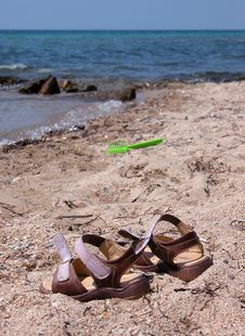 Free Sandals On The Beach Royalty Free Stock Images - 107819