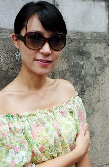 Free Asian Woman Wearing Big Shades Stock Image - 1002151