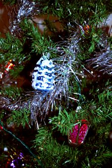 Free Christmas Tree Decorations Royalty Free Stock Photo - 1002625
