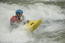 Free Whitewater Kayaker Royalty Free Stock Images - 1003349