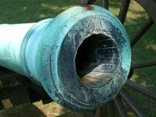 Free Civil War Cannon-Closeup Stock Image - 1004121