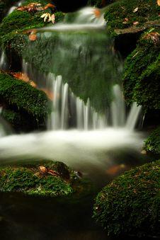 Free Autumn Stream In Giant Mountains Royalty Free Stock Photos - 1006528