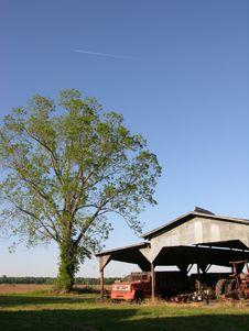 Free Barn And Tree Stock Image - 1009981