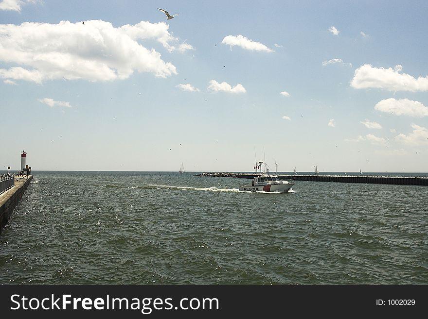 Rescue boat pulls into harbor