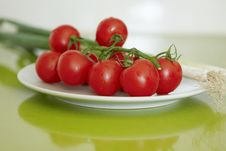 Free Cherry Tomatoes With Leek Stock Photos - 10001283