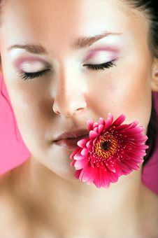 Free Smiling Woman With A Flower Royalty Free Stock Images - 10005009