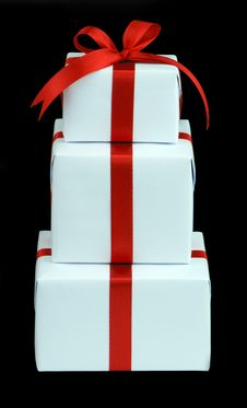 Free Three White Gift Boxes With Red Ribbon Royalty Free Stock Image - 10005106