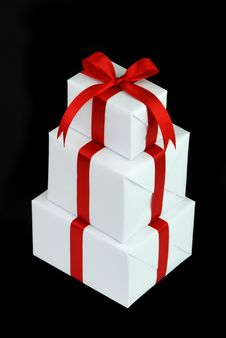 Free Three White Gift Boxes With Red Ribbon Royalty Free Stock Image - 10005116