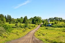 Free Road And Barn Stock Images - 10008794