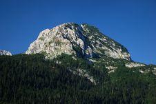 Free Mountain Peak Royalty Free Stock Photography - 10017037