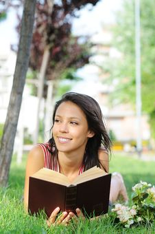 Free Young Woman In Green Park, Book And Reading Stock Images - 10017614