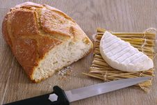 Free Bread, Cheese And Knife Stock Photos - 10018973