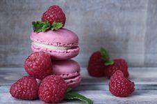 Free Strawberry, Macaroon, Strawberries, Dessert Royalty Free Stock Image - 100195816