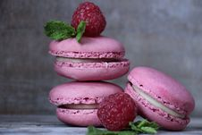 Free Macaroon, Sweetness, Dessert, Strawberry Royalty Free Stock Photos - 100196318