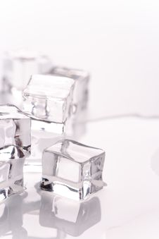 Free Ice Cubes Royalty Free Stock Images - 10026459
