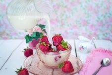 Free Dessert, Strawberry, Whipped Cream, Strawberries Stock Photos - 100254683