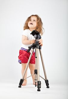Free Little Girl With Tripod Royalty Free Stock Image - 10031196