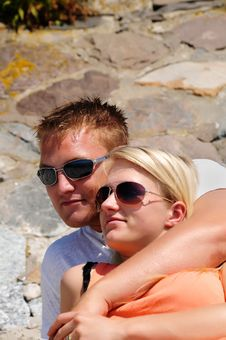 Free Young Couple Relaxing In The Sun Royalty Free Stock Photography - 10033807