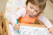 Free Baby Girl Drawing Royalty Free Stock Photography - 10037517