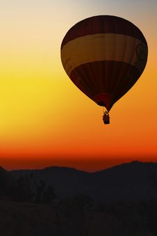 Free Hot Air Ballooning, Hot Air Balloon, Sky, Atmosphere Of Earth Royalty Free Stock Photos - 100398488