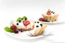 Free Delicious Tarts With Berries And Cream Royalty Free Stock Image - 10045216