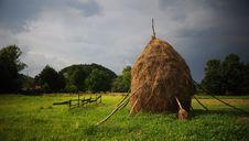 Free Hay Piles Royalty Free Stock Image - 10052076