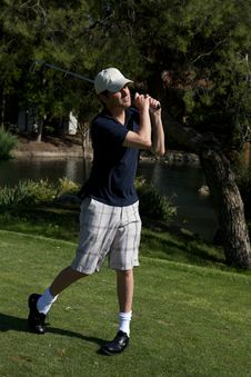 Free Golfer Preparing To Swing Royalty Free Stock Images - 10053339