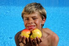 Free Smiling Boy Presenting Apples At Swimming Pool Royalty Free Stock Photography - 10059457