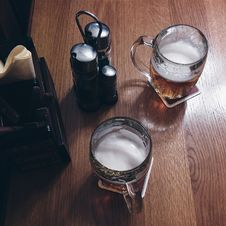 Free Beer In A Pub Stock Photos - 100551893