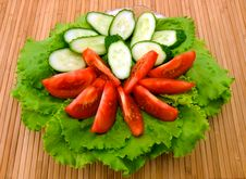 Free Fresh Lettuce, Tomatoes And Cucumbers Royalty Free Stock Photography - 10060017