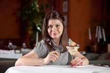 Free The Girl Will Eat A Dessert Stock Photography - 10060342