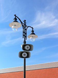 Free Loud-speakers On Lamppost Royalty Free Stock Image - 10060386