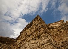 Free Rocks With Blue Cloudy Sky Royalty Free Stock Images - 10060899