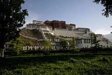 Free Potala Palace Royalty Free Stock Photo - 10064705