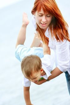 Free Mother And Son On Beach Stock Images - 10075344