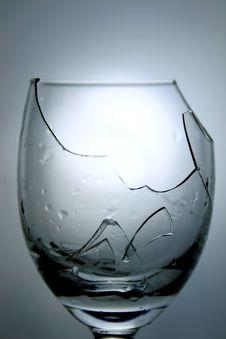 Free A Broken Goblet Stock Photography - 10077502