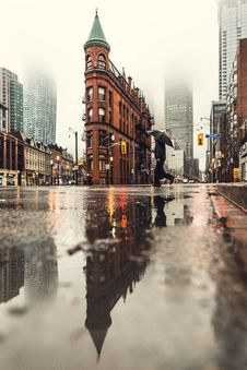 Free Reflection, Water, City, Urban Area Royalty Free Stock Photography - 100702977