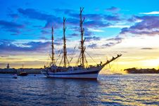 Free Frigate On Neva River Royalty Free Stock Photography - 10081237