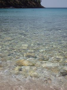 Free Clear Rocky Sea Stock Photo - 10082000