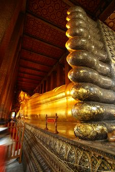 Free Foot Of Giant Sleeping Buddha Statue Stock Images - 10083714