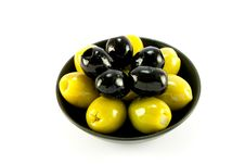 Free Green And Black Olives In A Bowl Stock Photography - 10087382