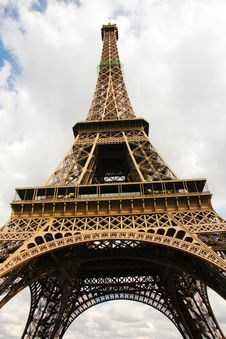 Free Eiffel Tower In Paris Royalty Free Stock Image - 10089446