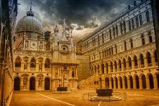 Free Landmark, Tourist Attraction, Palace, Sky Stock Photography - 100843582