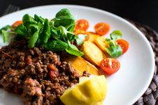 Free Paleo Ground Beef With Vegetables Royalty Free Stock Images - 100885299